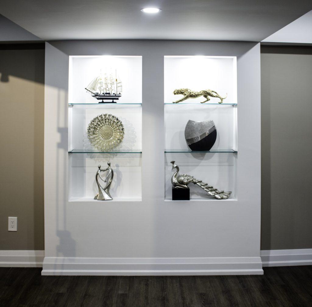 Iluminated-artifact-display-stand image