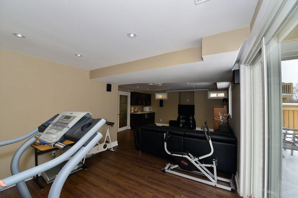 gym in basement oshawa