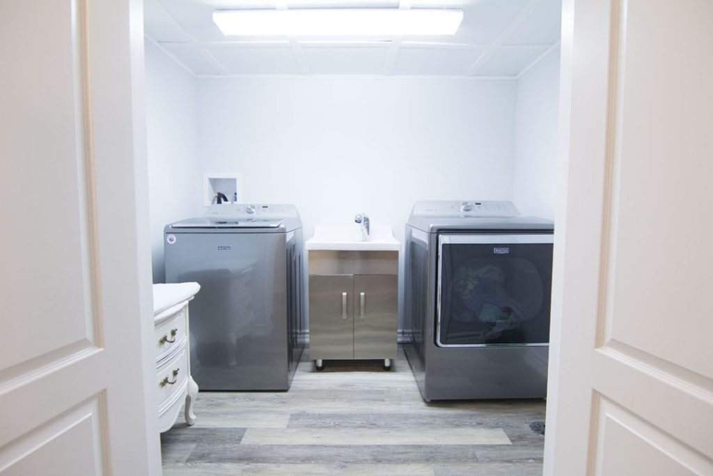 Basement laundry room in Etobicoke