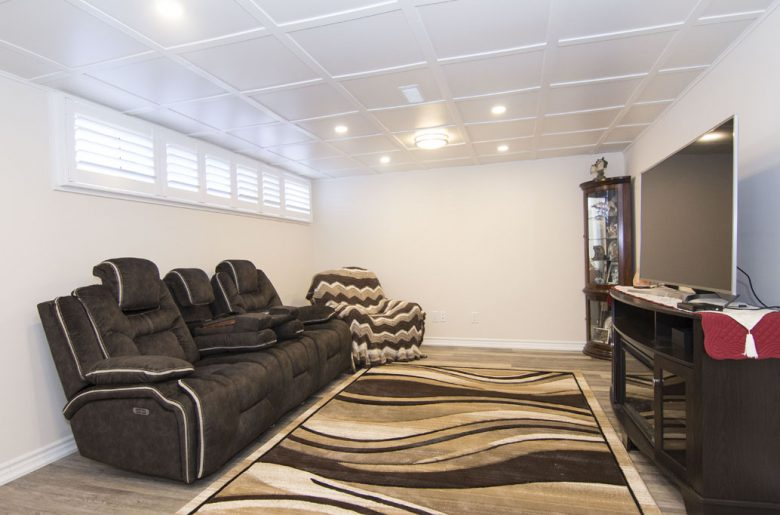 Lounge-area-in-finished-basement- Etobicoke