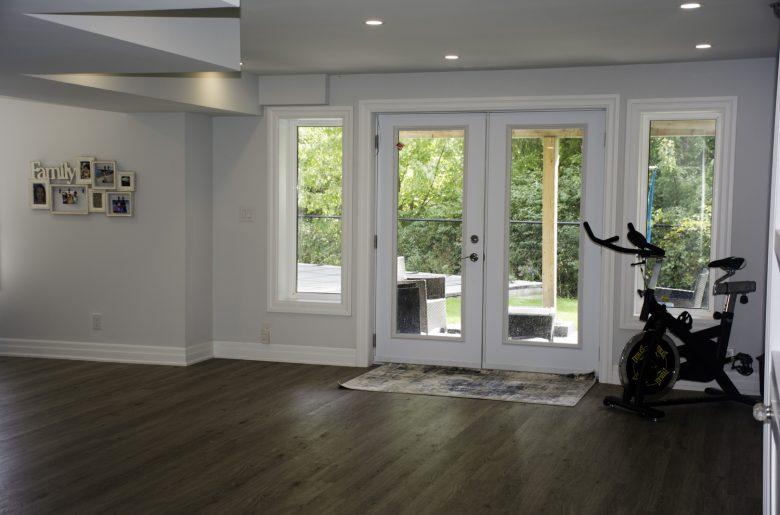 Basement-with-back-yard door
