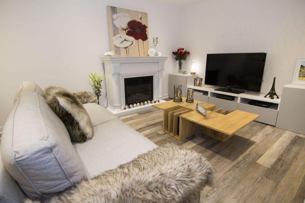 Classic Basement Family Room by Harmony Basements Renovation Vaughan