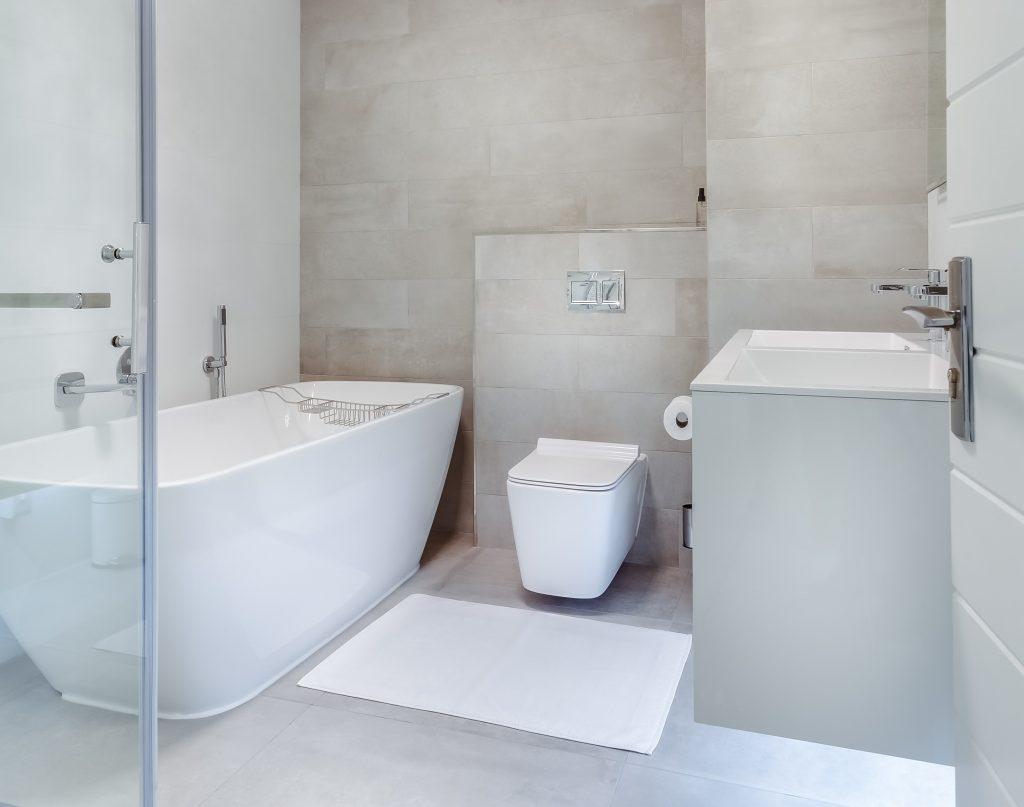 Custom Design of Amazing Bathroom Renovation